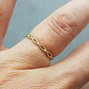 Jewelry - 10K Yellow Gold Eternity Band size 5.5